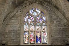 Ventana colorida gótica del mosaico en iglesia Foto de archivo
