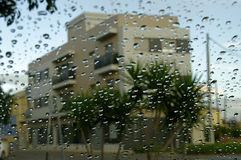 ventana con gotas de agua Fotos de archivo libres de regalías