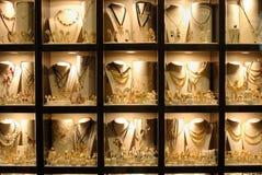 Ventana de almacén de joyería Fotografía de archivo libre de regalías
