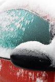 Ventana de coche helada en invierno Foto de archivo libre de regalías