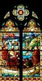 Ventana de cristal de colores religiosa Foto de archivo