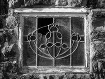 Ventana de cristal decorativa vieja quebrada de ventaja Imagen de archivo