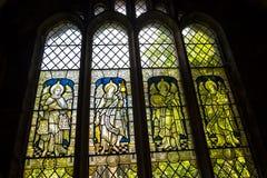 Ventana de cristal ilustrada en la catedral o la iglesia de monasterio en Chester England Fotos de archivo libres de regalías