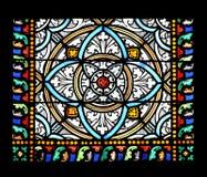 Ventana de cristal manchada (Bretaña, Francia) Foto de archivo libre de regalías