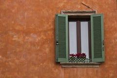 Ventana de la casa Imagenes de archivo