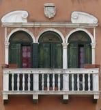 Ventana de la casa, Venecia, Italia fotos de archivo
