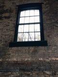 Ventana de la destilería del borbón Imagen de archivo