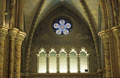Ventana de la iglesia fotografía de archivo libre de regalías