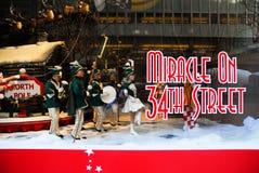Ventana de la Navidad de la calle del ` s 34to de Macy Imagenes de archivo