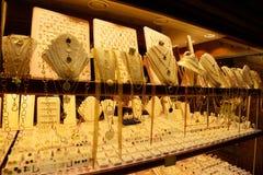 Ventana de la tienda de joyería imagen de archivo