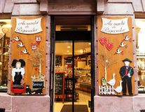Ventana de la tienda en Alsacia imagen de archivo libre de regalías