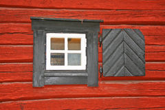Ventana de madera, Suecia Imágenes de archivo libres de regalías