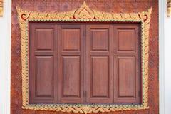 Ventana de madera tallada Fotografía de archivo