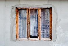 Ventana de madera vieja con la reflexión Fotografía de archivo libre de regalías