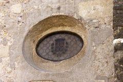 Ventana de Oculus en el monasterio de Sant Cugat Imagenes de archivo