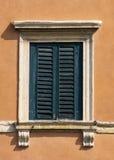Ventana de Verona, Italia Foto de archivo