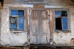 Ventana del edificio abandonado Fotografía de archivo libre de regalías