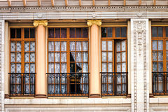 Ventana en el edificio histórico Imágenes de archivo libres de regalías