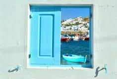 Ventana en la belleza de Grecia - Mykonos Foto de archivo
