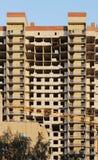 ventana en una casa nuevamente construida emparede la estructura con la fibra material no combustible aislada del basalto tejada Imagen de archivo