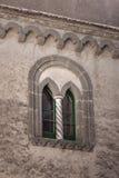 Ventana gótica en cimbrone del chalet Imagenes de archivo