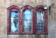 Ventana hermosa con la reflexión en Hammond Castle fotos de archivo