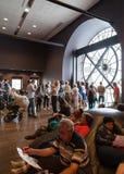 Ventana interior, antigua del reloj en el museo de Orsay Foto de archivo libre de regalías
