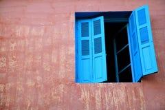 Ventana marroquí Imagen de archivo