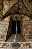 Ventana medieval barroca de la iglesia Imagen de archivo libre de regalías