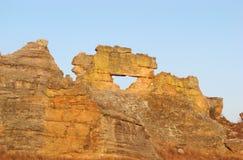 Ventana natural en el parque nacional de Isalo Fotografía de archivo