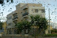 ventana przeciw Gotas De Agua Zdjęcia Royalty Free