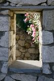 Ventana tradicional de Grecia Imagenes de archivo