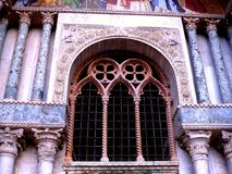 Ventana veneciana del estilo Imagen de archivo
