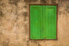 Ventana verde (vintage procesado imagen filtrado e Fotografía de archivo