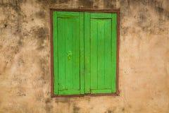 Ventana verde (vintage procesado imagen filtrado e Imagenes de archivo