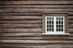 Ventana vieja de madera del granero Foto de archivo