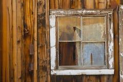 Ventana vieja del pueblo fantasma Fotos de archivo