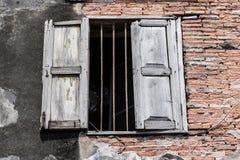 Ventana vieja en ciudad vieja Imagen de archivo libre de regalías