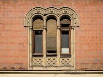 Ventana vieja en el estilo bizantino Fotografía de archivo