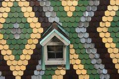 Ventana y azulejo Fotos de archivo libres de regalías