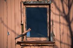 Ventana y madera resistida Foto de archivo libre de regalías