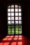 Ventana y sombras Imagenes de archivo