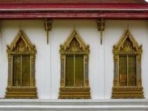 Ventanas antiguas del benchamabophit de Wat, Bangkok, Tailandia Foto de archivo
