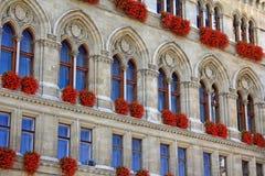 Ventanas de ayuntamiento de Viena Imágenes de archivo libres de regalías