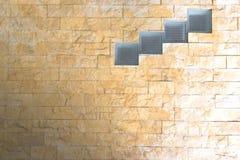Ventanas de cristal en la pared de piedra Imagen de archivo libre de regalías