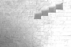 Ventanas de cristal en la pared de piedra Fotografía de archivo