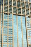 Ventanas de la torre de la oficina Imagen de archivo libre de regalías