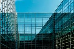 Ventanas del panorama y cielo azul Imágenes de archivo libres de regalías