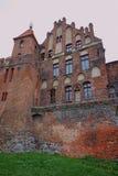 Ventanas góticas en el edificio medieval Fotos de archivo libres de regalías