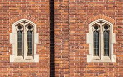 Ventanas góticas viejas Foto de archivo